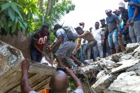 Мощен трус от 7,2 по Рихтер в Хаити - има стотици жертви и разрушения (Видео)