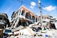 След мощния трус, Хаити очаква тропическата буря Грейс