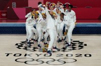 Женският баскетболен отбор на САЩ със седма поредна олимпийска титла