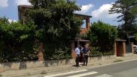 Обрати на съдбата - момчето, което оцеля по чудо след пропадане с лифт в Италия, е отвлечено от роднини