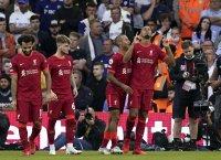 Ливърпул срази Лийдс, но победата бе помрачена от травма на Елиът