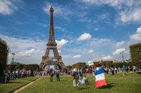 От утре задължително ваксиниране за здравните работници във Франция