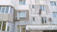 36-годишен мъж с брадва се барикадира във Варна