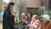 Домове за възрастни хора в Пловдив получиха дарение в днешния празник