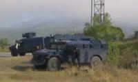 Танкове от двете страни на границата между Сърбия и Косово