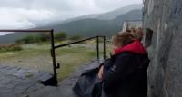 Един час в окото на бурята! Пред вратата на българска хижа, защото си с куче (ВИДЕО)
