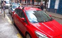 Мазилка падна върху автомобил в центъра на София