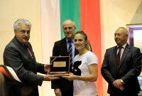 Назначават шампионката Ивет Горанова на служба в МВР