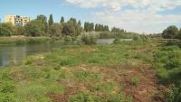 Опасност от наводнения в Пловдив заради непочистеното корито на река Марица