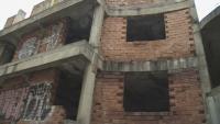 """Опасен строеж в """"Редута"""" стана дом на самонастанили се роми"""
