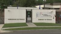 Франция извика за консултации посланиците си в САЩ и Австралия