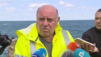 """Директорът на """"Морска администрация"""" за заседналия кораб: Не знаех, че ще изтече тор"""