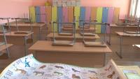 Леко се увеличава броят на карантинираните учители и деца