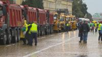 Четвърти ден на протести: Пътните строители блокираха центъра на София с тежка техника (ОБЗОР)