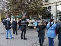 Медицински специалисти на протест за по-високи заплати