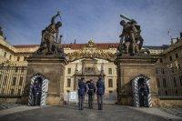 Криза в Чехия: Президентът не е способен да изпълнява задълженията си