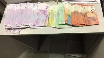 """Митнически служители задържаха над половин милион недекларирана валута на """"Капитан Андреево"""""""