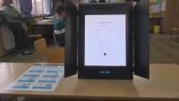 Избори 2 в 1: Гласуваме с машина и една карта за двата вота