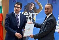 Атанас Пеканов връчи Плана за възстановяване на България на ЕК