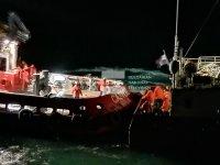 """Пристигнаха влекачите, които трябва да изтеглят заседналия кораб """"Вера Су"""""""