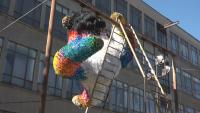 Поставиха арт инсталации в училищен двор в памет на Кристо