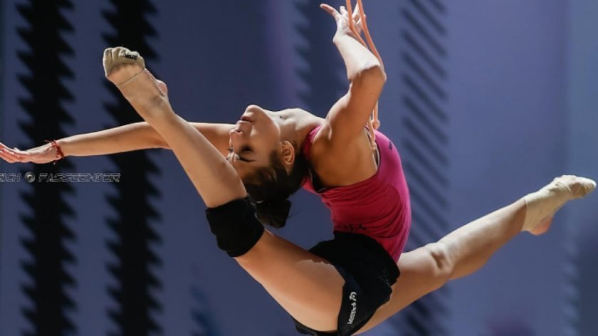 четири българки борят отличията художествена гимнастика киев
