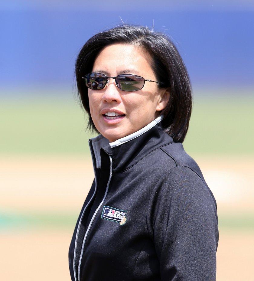 маями марлинс наема ким преодолявайки бейзболната полова бариера
