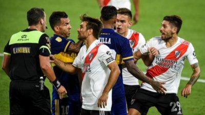 """Суперкласико"" не разочарова след четири гола и два червени картона"