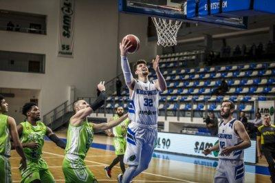 Рилски спортист с лекота на полуфиналите, Левски Лукойл оцеля в Ямбол