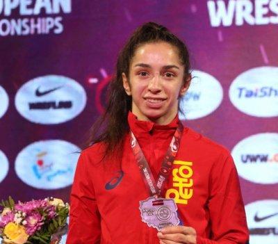 Миглена Селишка спечели сребърен медал от Европейското по борба