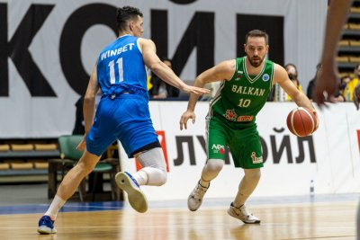 Левски Лукойл победи Балкан в първия полуфинал