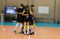 Шампионките ни по волейбол с две контроли в Румъния