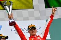 Шумахер се готви за дебюта във Формула 1 със записи на баща си