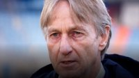Вилем II уволни треньора Адри Костер