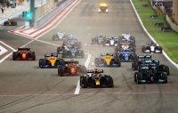 Хамилтън изкова успеха в Бахрейн, спорна ситуация беляза последните обиколки