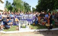 Ръководство, играчи и фенове на Левски поднесоха венци на паметника на Гунди