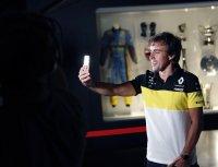 Фернандо Алонсо се завръща в Рено през 2021, обяви че Инди 500 е настоящата му цел