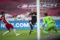Манчестър Юнайтед и Аякс се разбраха за Ван де Беек